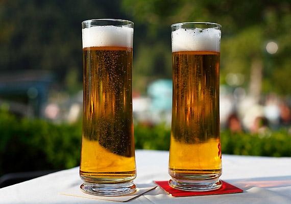 A sör nem csupán szénsavtartalma miatt, de a benne lévő sörélesztő révén is puffaszthat.