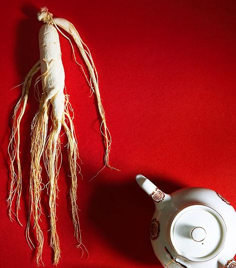 Ginseng  A tradicionális kínai orvoslás régóta ismeri a ginseng egészségre gyakorolt sokfajta jótékony tulajdonságát. Egyfelől direkt vércukorszint-csökkentő hatással bír, másrészt serkenti az inzulin felszabadulását a hasnyálmirigyben.  Kapcsolódó cikk: A 3 leghatásosabb természetes immunerősítő »