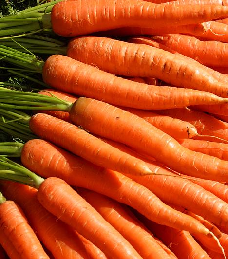 Sárgarépa - B13-vitamin  A sárgarépa a közhiedelemmel ellentétben nem tartalmaz A-vitamint, csak béta-karotint. A gyökérzöldségek viszont gazdagok B13-vitaminban - mely megvéd a májműködési zavarok kialakulásától, valamint lassítja az öregedést.