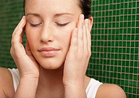 A stressz, az állandó feszültség a rák egyik elsődleges kiváltó oka. Hagyj magadnak időt a pihenésre, a testi-lelki feltöltődésre a mindennapokban is.