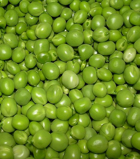 Zöldborsó Az egyik legrégebbi kultúrnövényünk, így nem véletlen, hogy egyben a legnépszerűbbek egyike is. Számos vitamint és ásványi anyagot tartalmaz, közöttük B-vitamint, melynek megfelelő bevitele elengedhetetlen az agy és az idegrendszer megfelelő működéséhez.