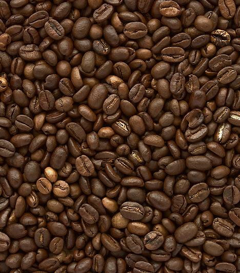 Kávé  A fekete nedű, amennyiben mértékletesen fogyasztod, vagyis csupán napi egy csészével iszol belőle, egészséges is lehet: javítja az anyagcserét, agyserkentő, a kutatások szerint pedig egyes rákos megbetegedések kockázatát is csökkenti.