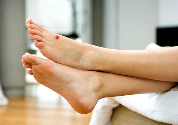Az M-3 - Nagy csomópont - a láb nagylábujji és második ujji lábközépcsontjainak lábujjak felőli végei között található. Erős nyomásával enyhíthető az alvászavar.