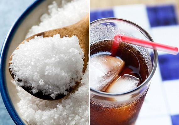 A kellő csontsűrűséghez elengedhetetlen a kalciumpótlás: kiváló természtes kalciumforrások a tejtermékek és a halfélék. A túlzott só- és kólafogyasztással azonban éppen ellenkező hatást érhetsz el - ezek ugyanis elvonják a csontokból a kalciumot.