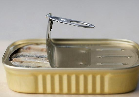 A sós lében úszó, konzervbe zárt szardíniának 100 grammja 144 NE D-vitaminnal büszkélkedhet. Érdemes tehát gyakrabban fogyasztanod.