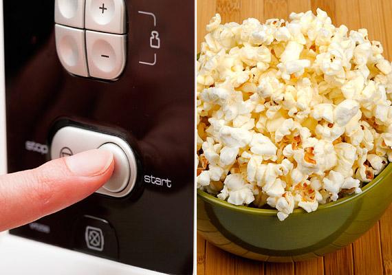 A mikróban pattogatható tasakos popcorn tele van adalékanyagokkal, ráadásul a zacskók belsejét bevonó perfluorooktán kutatások szerint rákkeltő lehet. Válaszd inkább a natúr, serpenyőben elkészíthető kukoricát!