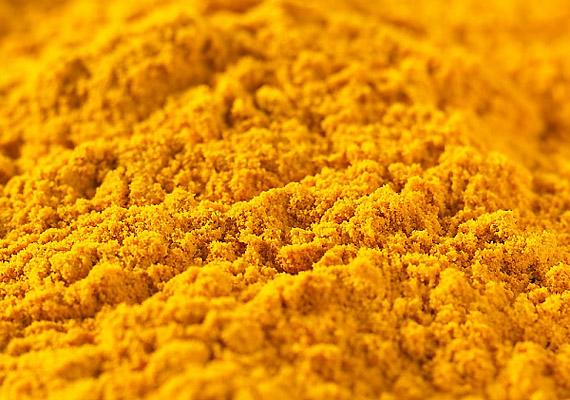 A currypor fő alkotóelemét, a kurkumát több ezer éve sikeresen alkalmazza az indiai és a kínai gyógyászat. Többek között rákellenes és gombaölő hatású, érdemes beiktatnod az étrendedbe.