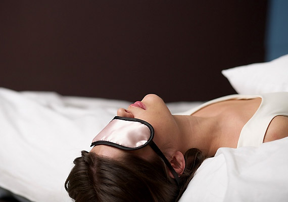 A túl puha vagy túl kemény matrac szintén ellophatja az álmodat. Még ha alvással is töltöd az éjszaka nagy részét, akkor is fáradtan, kimerülten ébredsz majd.