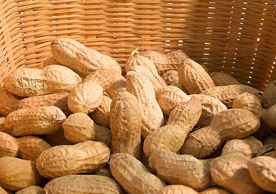 A földimogyoró kedvelőinek jó hír, hogy nemcsak E-vitaminban gazdag, de kedélyjavító triptofánban is bővelkedik.