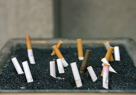 A cigiről is érdemes még időben lemondanod. Bár a dohányzás okozta károk a szervezetedben sokszor még évek múltán sem állnak helyre, nem mindegy, meddig játszol az egészségeddel.