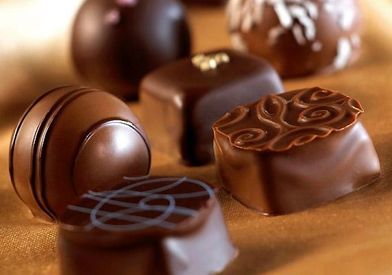 A csokoládé ugyancsak gazdag aminforrás. Ha többször tapasztaltad már, hogy fogyasztását követően fejfájás kínoz, lehet, hogy ki kell iktatnod az étrendedből.