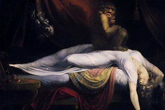 Az alvási paralízis az előbbinek éppen az ellenkezője: az agy úgymond előbb ébred fel, mint a test, aminek köszönhetően ébredés után az ebben szenvedő nem tud beszélni vagy éppen mozdulni, ami pár másodperctől néhány percig is tarthat. A jelenség rendkívül ijesztő lehet, aki már átélte, gyakran írja le úgy, mintha egy elefánt ülne a mellkasán. Nem véletlen, hogy az alvási paralízist gyakran illusztrálják John Henry Fuseli A rémálom című festményével, amely fent is látható.