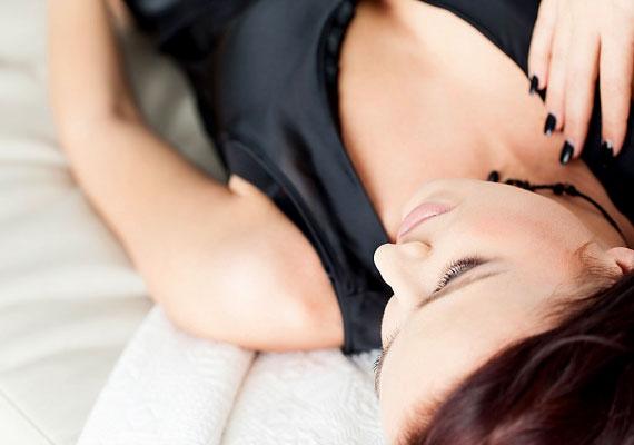 Általában igaz, hogy a puhább matracok könnyebben vezetnek hátfájáshoz, de ez nem azt jelenti, hogy érdemes lecserélned megszokott fekhelyed egy kemény matracra. Mivel minden ember más és más, nincs kizárva, hogy a te igényeidnek a puha matrac felel meg.