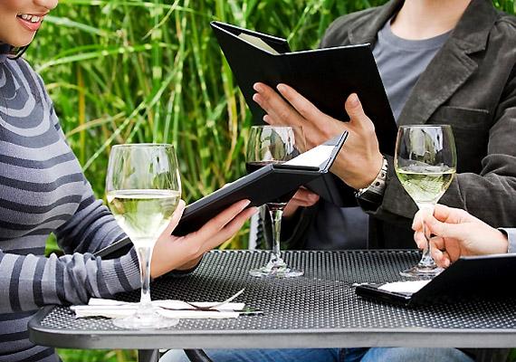 Elegánsabb éttermekben is előfordul, hogy a kézről kézre járó étlapok hemzsegnek a kórokozóktól.