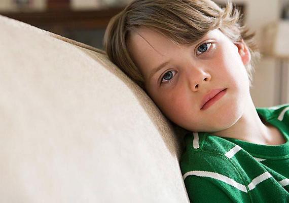 FáradékonyságHa a gyerek hamarabb fárad el, mint a napi tevékenysége indokolná, akkor gyanakodhatsz az elégtelen folyadékbevitelre, ugyanis a kiszáradás fejfájást és fáradtságot okoz.