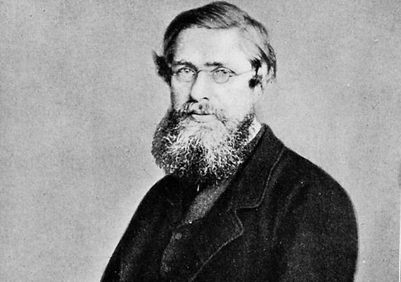 Alfred Russel Wallace (1823-1913) felfedező, antropológus, geográfus és biológus, akit gyakran a biogeográfia atyjaként is említenek. Darwintól függetlenül megalkotta a természetes szelekció elméletét - arra sarkallva ezzel őt, hogy korábban nyilvánosságra hozza nézeteit. Hosszú életének titka talán a természettudományos munka melletti spirituális életszemléletében keresendő.