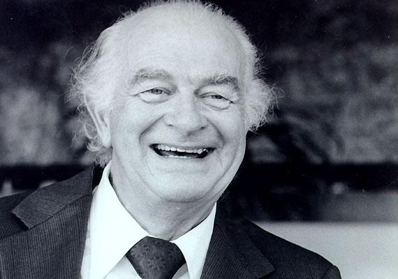 Linus Pauling (1901-1994) német származású amerikai tudós, aki a kémiai Nobel-díj mellett elnyerte a Nobel-békedíjat is. Az ortomolekuláris medicina néven elhíresült elméletének lényege, hogy minden betegség a szervezet vitamin- és ásványianyag-hiányára vezethető vissza. Ő maga napi körülbelül 18 gramm C-vitamint szedett.