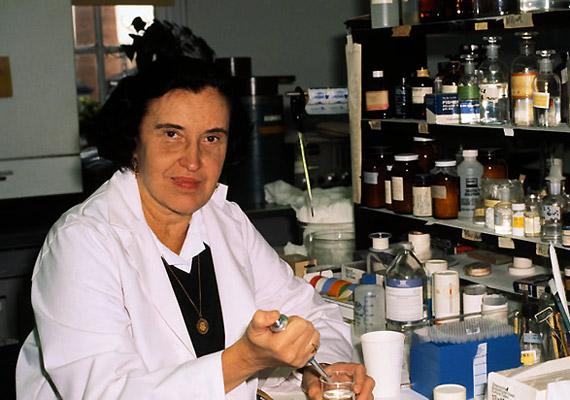 Rosalyn Sussman Yalow (1921-2011) Nobel-díjas amerikai fizikus. Ő volt a második nő - Gerty Theresa Cori után -, aki fiziológiai és orvostudományi Nobel-díjat kapott. A férfiak uralta tudományos világban elismerték munkáját, pályája során számos díjat és kitüntetést kapott, többek között az AMA Scientific Achievement Award-ot 1975-ben és Hevesy György Érmet 1978-ban.