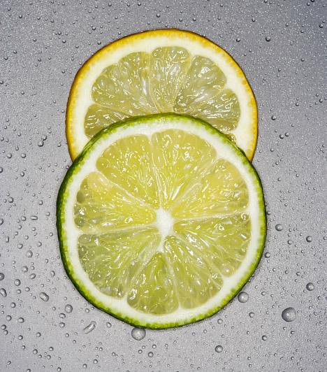 C-vitamin  Az első és legfontosabb dolog a C-vitamin pótlása. Erősítsd az immunrendszeredet a legbiztosabb forrásokkal! Fogyassz minél több citrusfélét, zöldpaprikát, csipkebogyót, savanyú káposztát!  Kapcsolódó kvíz: Teszteld a tudásod! Miben van több C-vitamin? »