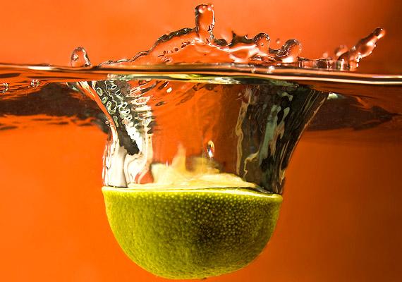 A zöldség-gyümölcs fogyasztása nélkülözhetetlen. Különösen a C-vitamin-bevitelre kell figyelned: fogyassz minél több citrusfélét és zöldpaprikát.