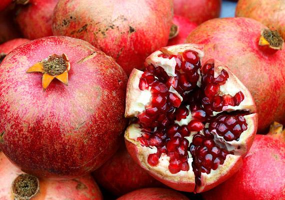 A gránátalmában lévő ellagitannin nevű vegyület csökkenti az izomkárosodás mértékét, gyorsan elmulasztja az izomlázat. Nem mellékesen a gyümölcs rákellenes és éhségcsökkentő hatású is.