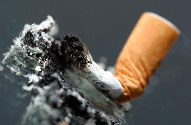 a dohányzás fáj a köhögést