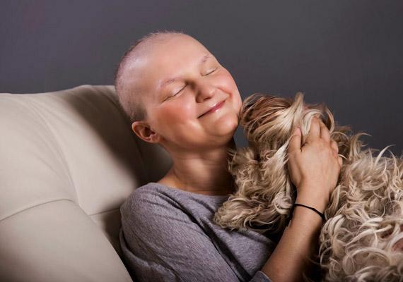 A 30-as évei elején járó Brjeska Dóránál 2013 októberében diagnosztizáltak mellrákot - több áttéttel. Betegsége, illetve a kezelések során átélt élmények, tapasztalatok vették rá, hogy Füles Odú néven a témával kapcsolatos blogot indítson. A blogot itt nézheted meg, vele készült interjúnkat pedig itt olvashatod.
