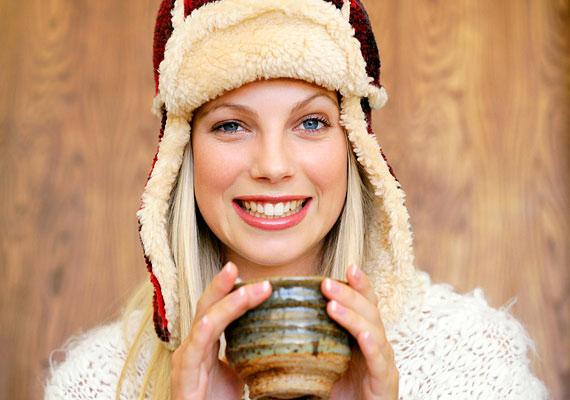 Inkább a megelőzés szempontjából fontos, hogy mindig rétegesen öltözködj. Jobb, ha télen hanyagolod a miniszoknyát.
