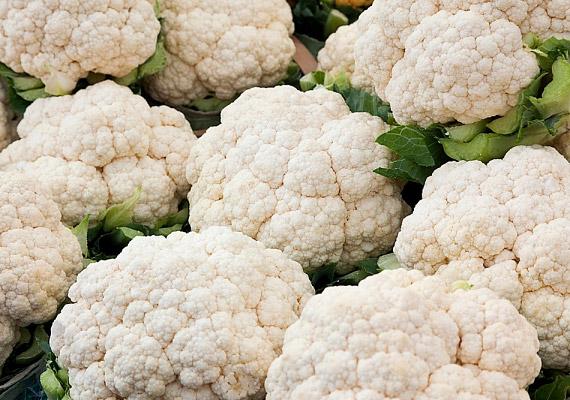 Nemcsak a brokkoliban és a káposztában, hanem más keresztesvirágzatú zöldségekben, így a karfiolban is megtalálható a szulforafán nevű rákellenes vegyület.