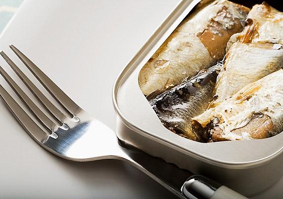 Az olajos halak, mint a hering, a lazac és a tonhal mind-mind további gazdag D-vitamin-forrást jelentenek.