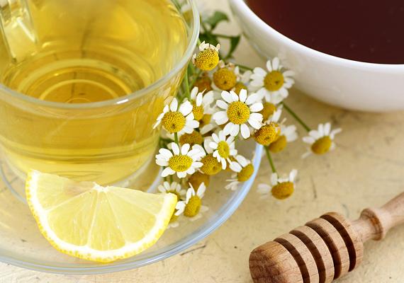 A kamillával átmoshatod az egész szervezeted, ezért nyugtató és fertőtlenítő hatása miatt érdemes puffadás esetén teaként fogyasztani.