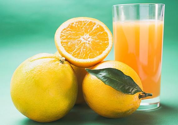A narancsban található rengeteg víz segít a méreganyagok eltávolításában, illetve serkenti az emésztést.