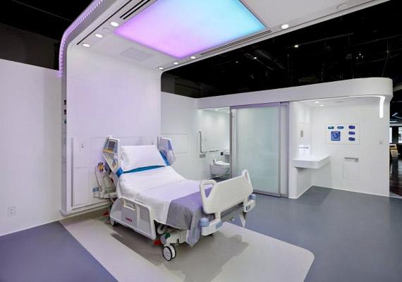 A NXT Health Patient Room 2020 célja, hogy javítsák a betegek kórházzal kapcsolatos tapasztalatait, és megkönnyítsék a kórházi dolgozók munkáját. A minimalista dizájn, az ívelt fehér panelek és az alumíniumtárgyak bepillantást nyújtanak a jövőbe.