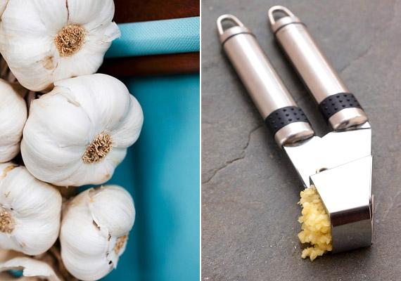 A fokhagyma igen erős gombaölő hatással bír. Összetört fokhagymával dörzsöld be a lábkörmödet, illetve a köröm melletti részeket. Beledobhatsz pár összezúzott fokhagymagerezdet forró lábfürdőbe is, és áztathatod benne a lábadat 20 percig. A fűszernövény erős szagát szódabikarbónával semlegesítheted.