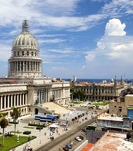 Havanna                         Bár Kuba fővárosa elsősorban a szivarról és az ott élő emberek nyomorúságos szegénységéről ismert, a csecsemőhalandóság jóval kisebb mértékű, mint az Amerikai Egyesült Államokban. Az itt élők várható átlagos élettartama 79 év, a helyi egészségügy elsősorban a megelőzésre koncentrál.