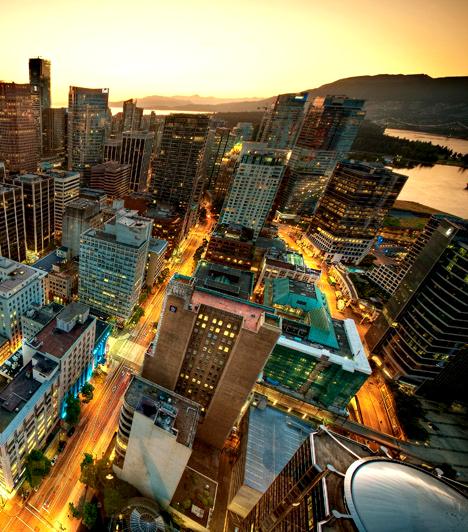 Vancouver                         A kanadai város elmozdult az autóközpontú közlekedéstől, aminek köszönhetően napjainkban az egyik legtisztább levegőjű nagyváros a világon. Emellett természetesen az óceáni szellő és az örökzöldek is tisztítják a levegőt a szennyező anyagoktól.
