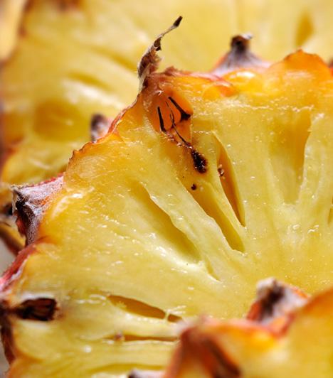 Ananász                         A zamatos déli gyümölcsben található bromélia nevű enzim segít a szervezetnek a fehérjék megemésztésében, elősegíti a vér sav-lúg egyensúlyát, illetve javítja a hasnyálmirigy, az epe, a máj és a vastagbél működését.