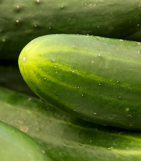 Uborka  Az uborka kiemelten lúgosító hatású növény, segít helyreállítani a szervezet pH-értékét. Ajánlott egész éven át fogyasztanod akár nyersen, akár salátaként.  Kapcsolódó cikk: Az uborka 3 áldásos egészségügyi hatása »