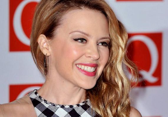 Kylie Minogue-nak mellrákja miatt el kellett halasztania 2005-ös Showgirl - The Greatest Hits turnéjának hátralévő koncertjeit. Betegségét és melbourne-i kezelését óriási médiafigyelem övezte. 2005. májusában megműtötték, majd kemoterápián és sugárkezelésen is átesett.