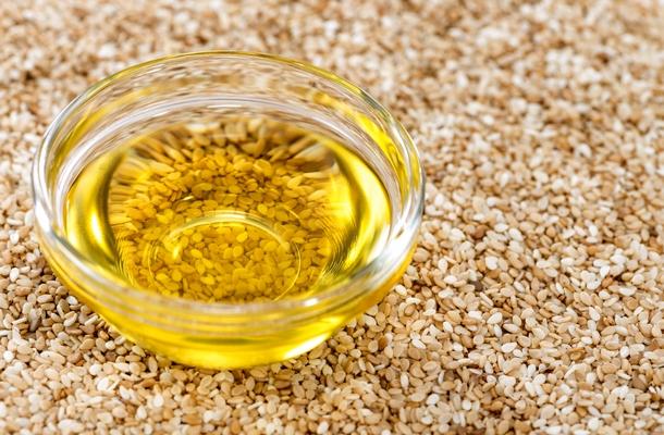 hogyan kell kezelni a szezám olaj ízületeit