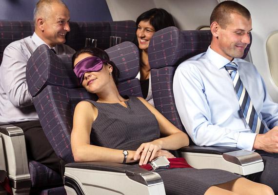 A repülés okozta jet lag - gyors időzóna-átlépés - durván beleavatkozik a cirkadián ritmusodba, összezavarja a melatonintermelést. Hosszú, kelet-nyugati irányú repülőutak során lép föl. Ha ilyen utazásra készülsz, mindenképpen kalkuláld bele, hogy a megérkezést követően néhány napra lesz szükséged az átálláshoz.