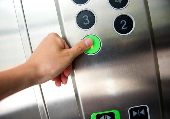 Még be sem értél az irodába, ujjaid hegyén már hemzsegnek a baktériumok: a lift nyomógomjait ugyanis rengeteg kéz érinti naponta.