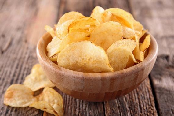 A chipsek esetében talán említeni sem kell, hogy összetevőik közt ott vannak a különféle ízfokozók, köztük a nátrium-glutamát.