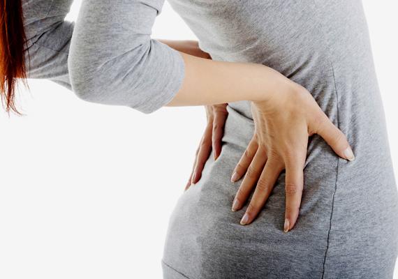 A medencetájéki és a derékfájdalom is jelezheti petefészek-daganat jelenlétét, mindenképpen fordulj mielőbb orvoshoz!