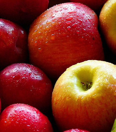 Magas fruktóztartalom - alma  A magas fruktóztartalmú ételek, mint a méz és egyes gyümölcsök - alma, szilva, körte -, szintén kiválthatják a puffadást. Szervezeted ugyanis csak egy bizonyos mennyiségű fruktóz megemésztésére képes, ha pedig túlléped ezt a határt, felfúvódás, hasmenés a következmény.