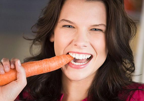 A magas rosttartalmú répát érdemes időnként nyersen is fogyasztanod. Ha nincs időd fogat mosni napközben, a ropogós zöldség segít a fogak és az íny tisztántartásában.