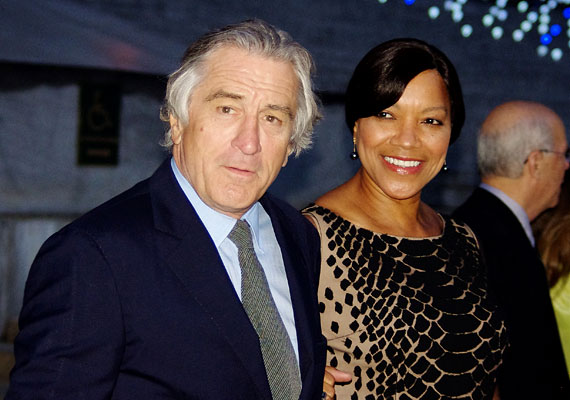 A kétszeres Oscar-díjas Robert De Nirónál 2003-ban fedeztek fel prosztatarákot. Hála a korai diagnózisnak, valamint a színész kitartásának és önfegyelmének, ma már gyógyult. A képen feleségével, Grace Hightowerrel látható.