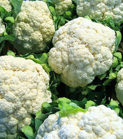 Karfiol  A keresztesvirágúak családjába tartozó karfiol a leggyakrabban fogyasztott ehető virág. Tudományos kutatások során bizonyították, hogy a növényben található sulforaphane – SFN – molekula segít megelőzni különféle rákos megbetegedések kifejlődését a szervezetben.