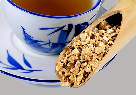 A kínai angyalgyökér - Angelica sinensis - nemcsak segít beállítani a ciklust, de a görcsöket is enyhíti. Fogyaszd tea formájában vagy vegyél be naponta 600 mg kínai angyalgyökér-kivonatot.