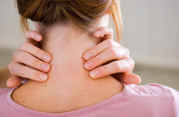 fájó fájdalom és ropogás az ízületekben)